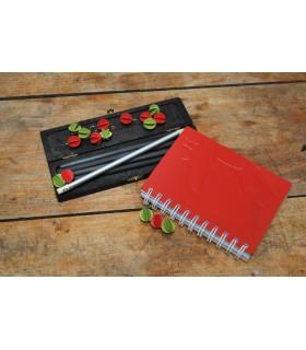 objets déco des cahiers et des crayons d'école