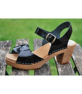 Swedish Sandals leather and high heel woman wood