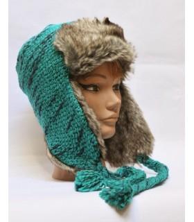 Chapka russe en laine et fourrure synthétique