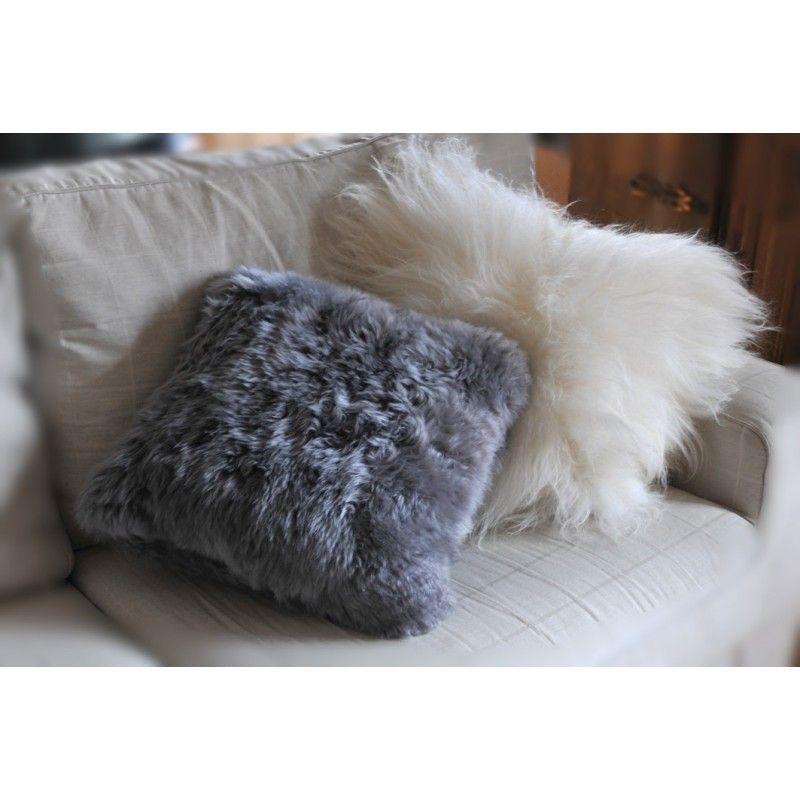 coussin 100 peau d 39 agneau v ritable. Black Bedroom Furniture Sets. Home Design Ideas