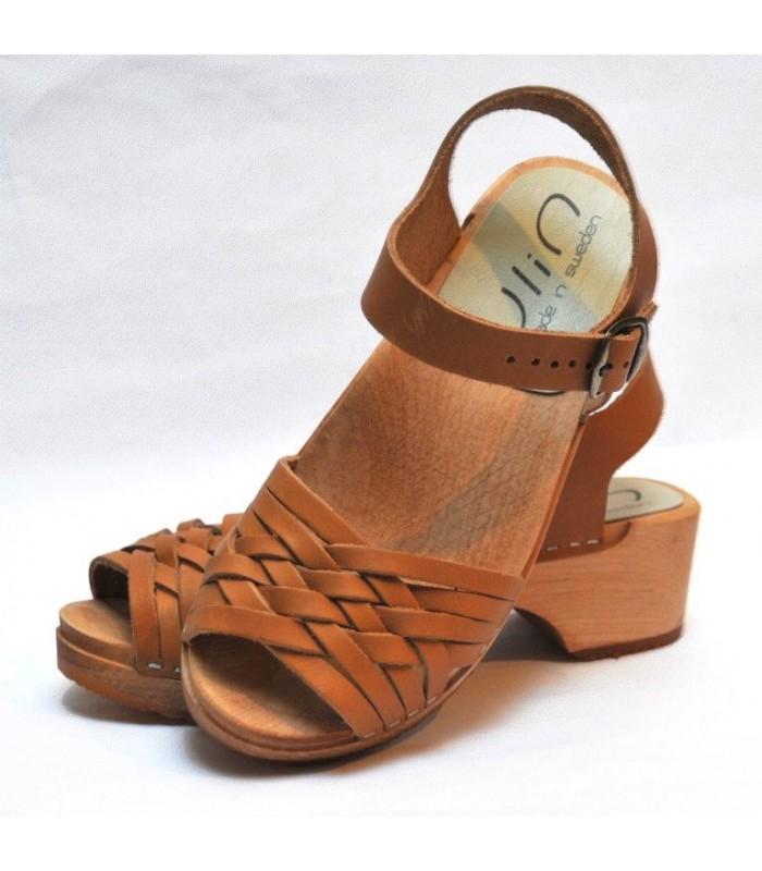 Sandales suédoises basses en bois et cuir tresse cognac