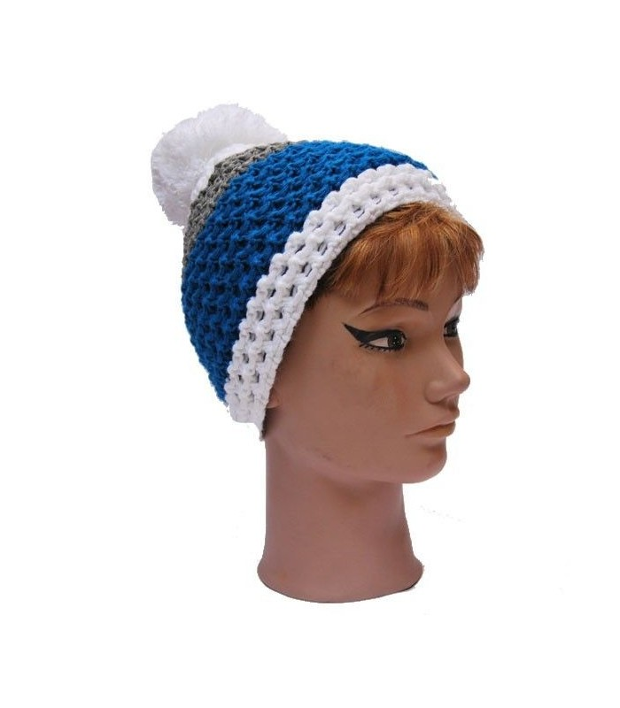Beanie and falling pompon wool