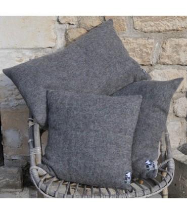 Coussin en lin et laine gris garni plumes