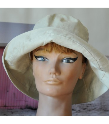 Chapeau de plage grand bord en lin beige ou kaki
