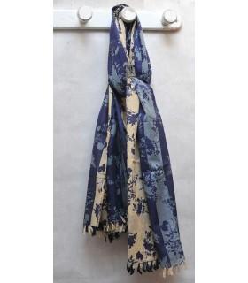 Gran fular azul a flores sombras japonesas en puro algodón.