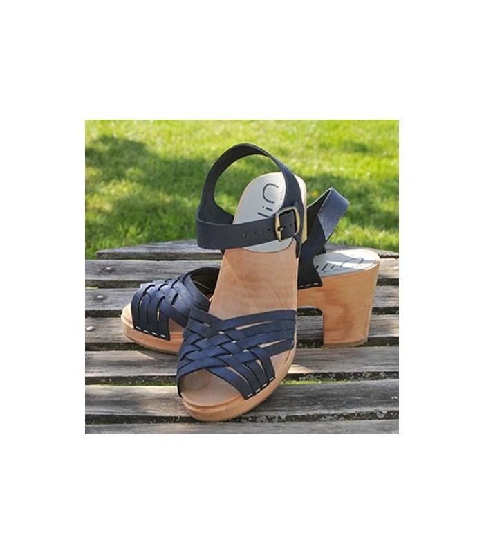 ffe034a4b1157 Sandales suédoises femme en cuir bleu tressé et talon haut bois 8 cm. Loading  zoom