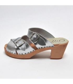 Sandales suédoises femme en cuir argent et talon haut bois