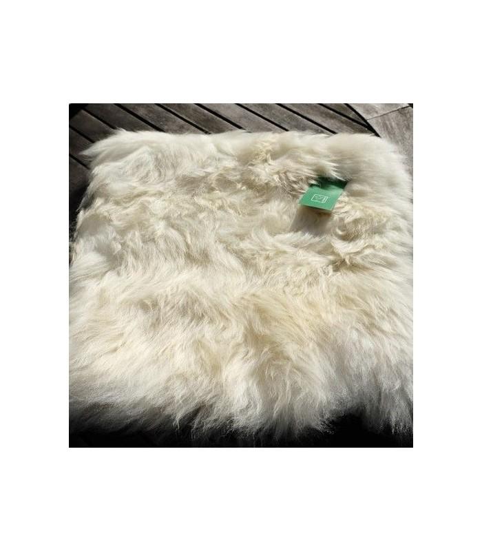 housse de coussin 100 peau d 39 agneau v ritable cru. Black Bedroom Furniture Sets. Home Design Ideas