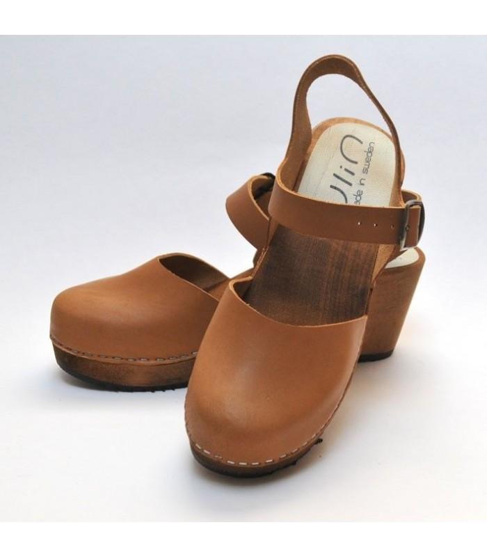 Sandales suédoises femme bois et cuir végétal cognac