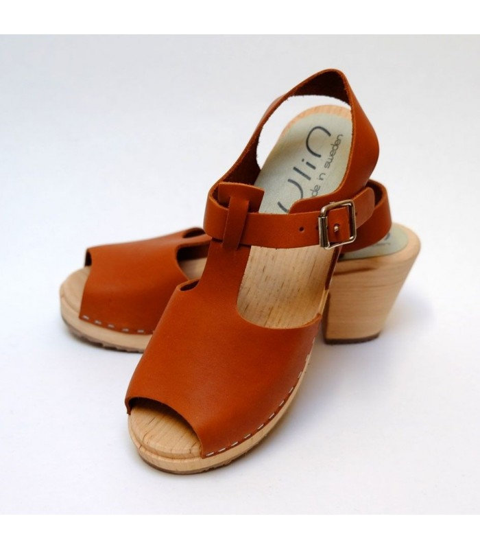 Women Swedish wooden high Sandals in stitched beige leather
