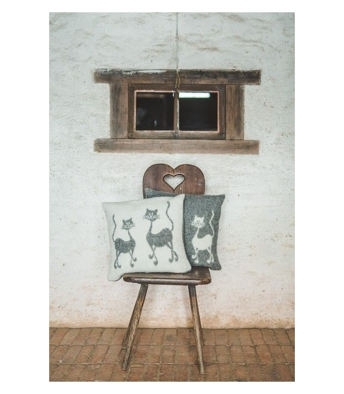 Nordic Cushion cover pure wool cat or heart design