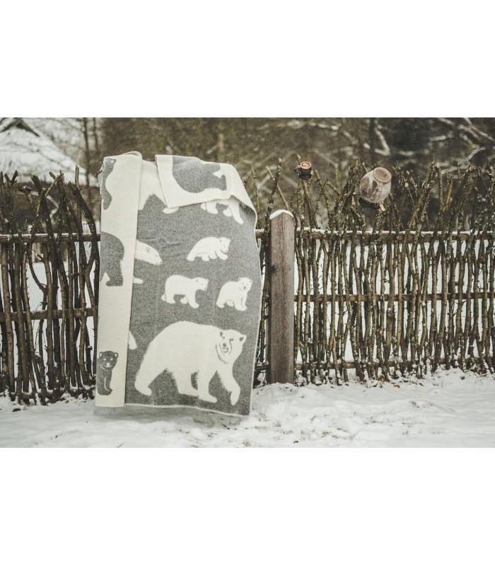 Throw in pure wool polar bear pattern