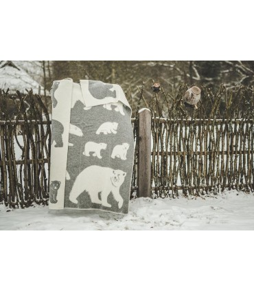 Throw in pure wool polar bear pattern