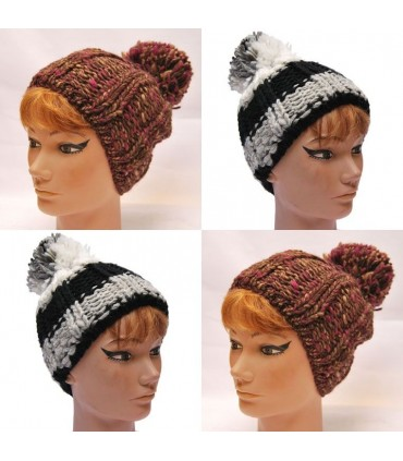 Wool beanie with big pompon