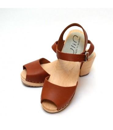 Sandales suédoises bois cuir tannage végétal talons hauts 7 cm