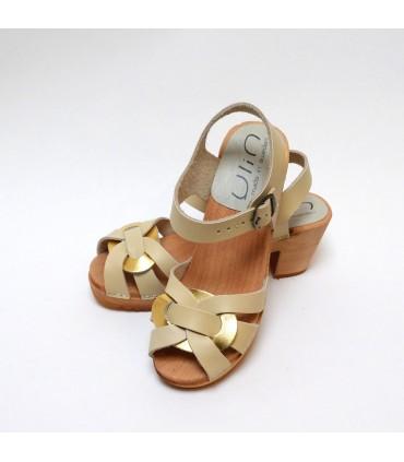Sandales suédoises cuir beige et doré à talon haut bois