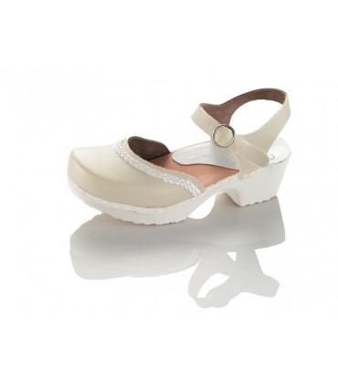 Chaussures fermées à brides beige