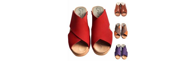 Suecas sandalias de tacón bajo